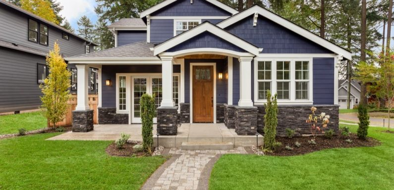 3 Great Ways To Upgrade Your Home's Curb Appeal During Summer