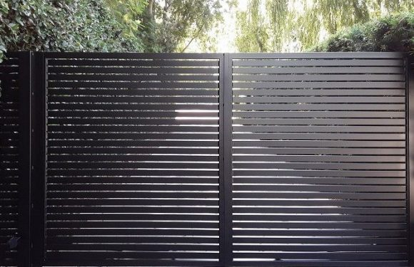 Residential Gating: Timber or Iron?